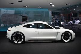 Frankfurt-Motor-Show-3dosetki.pl-Porsche-Mission-E-1