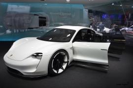Frankfurt-Motor-Show-3dosetki.pl-Porsche-Mission-E-5