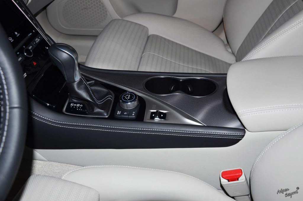 Infiniti Q50 - opisy i testy samochodów - blog, serwis motoryzacyjny