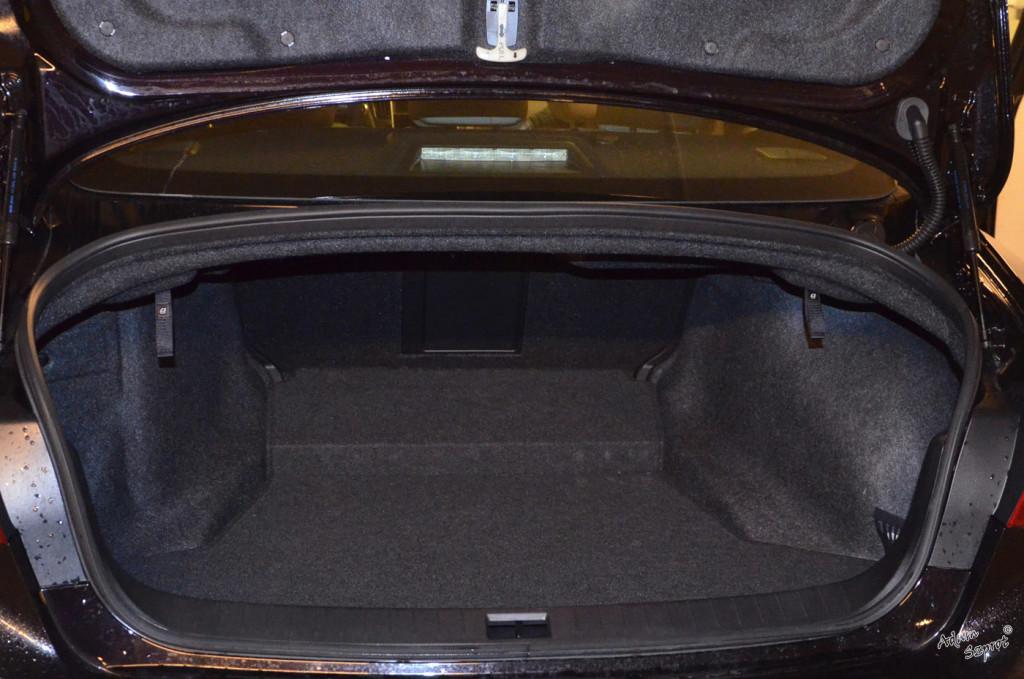 Test Infiniti Q50 - ciekawy samochód klasy premium