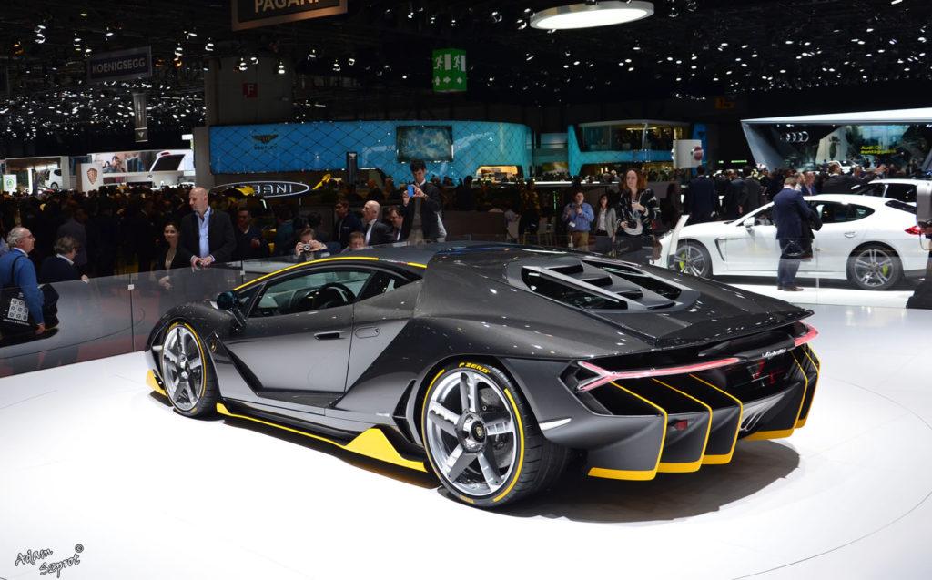 Premiera Lamborghini Centenario LP770-4, tył, dyfuzor, ciekawy serwis motoryzacyjny o supersamochodach.