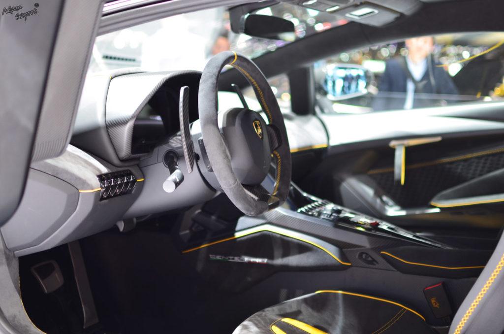 Premiera Lamborghini Centenario LP770-4, środek, wnętrze, kieronica, siedzenia, serwis i blog o samochodach, premiery, opisy, wydarzenia, auta.