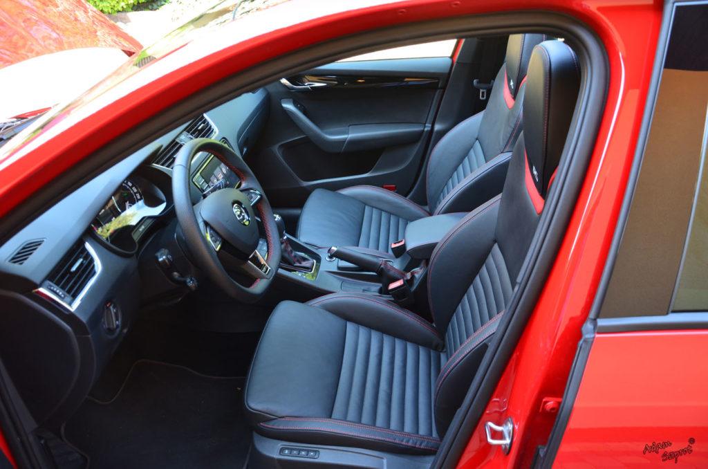 Wnętrze, siedzenia Skoda Octavia RS230, testy Skody, testy aut, witryna motoryzacyjny, blog motoryzacyjny, blog samochodowy, opisywanie aut, testy samochodów, premiery.