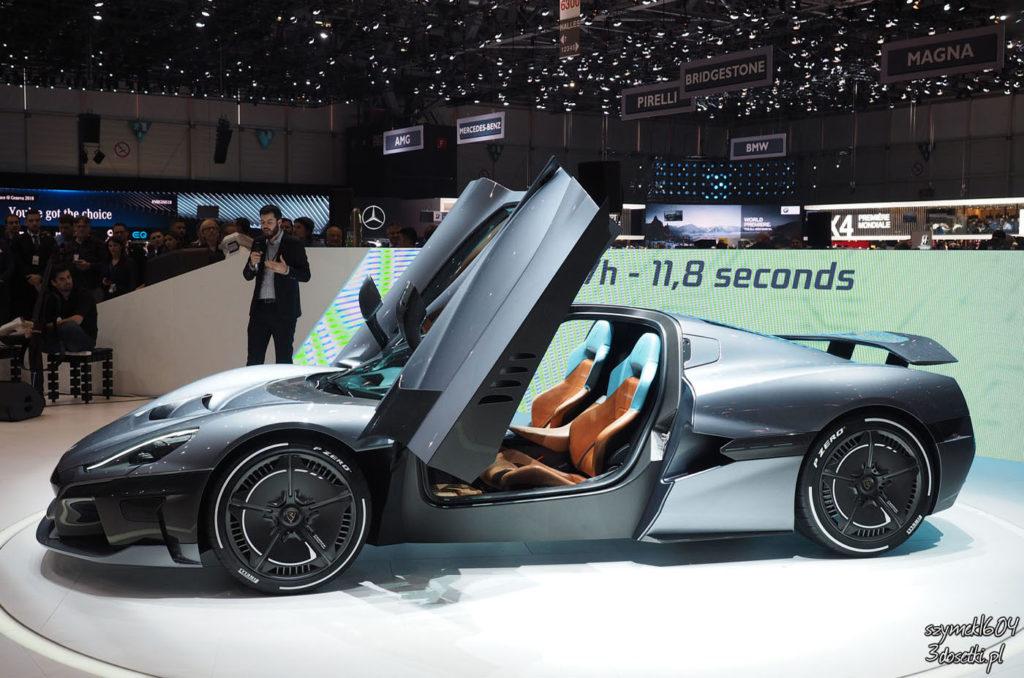 Rimac C_Two z boku, premiera motoryzacyjna na blogu motoryzacyjnym o samochodach