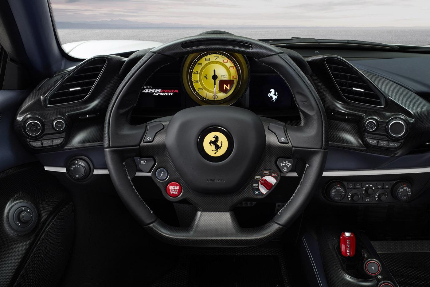 Ferrari 488 Pista Spider - premiera, wnętrze