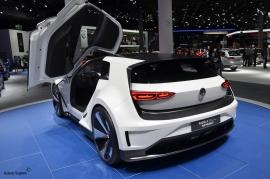 Frankfurt-Motor-Show-3dosetki.pl-VW-Golf-GTE-Sport-2