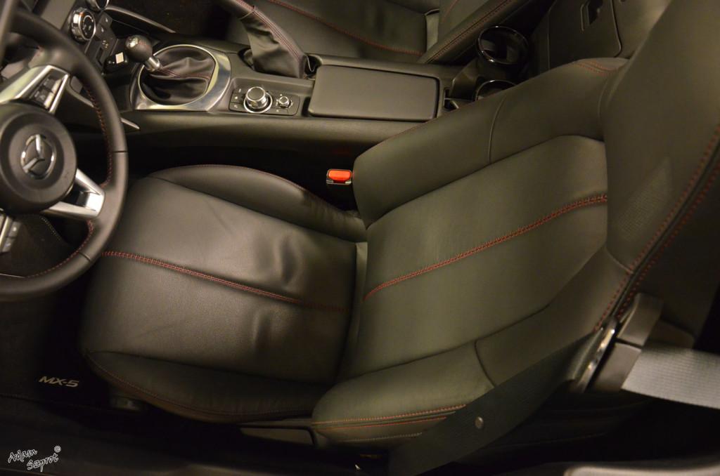 Mazda MX-5 - siedzenia - 3dosetki.pl - ciekawa strona o motoryzacji