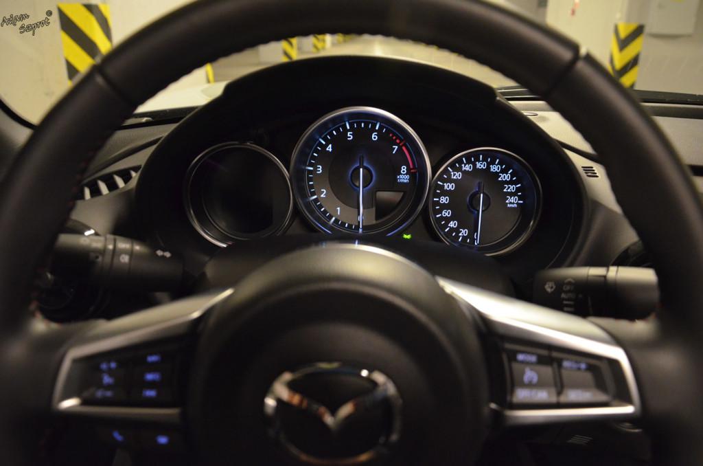 Mazda MX-5 - zegary - 3dosetki.pl - ciekawa strona o motoryzacji