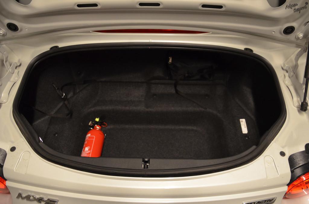 Mazda MX-5 - bagażnik - 3dosetki.pl - ciekawa strona o motoryzacji