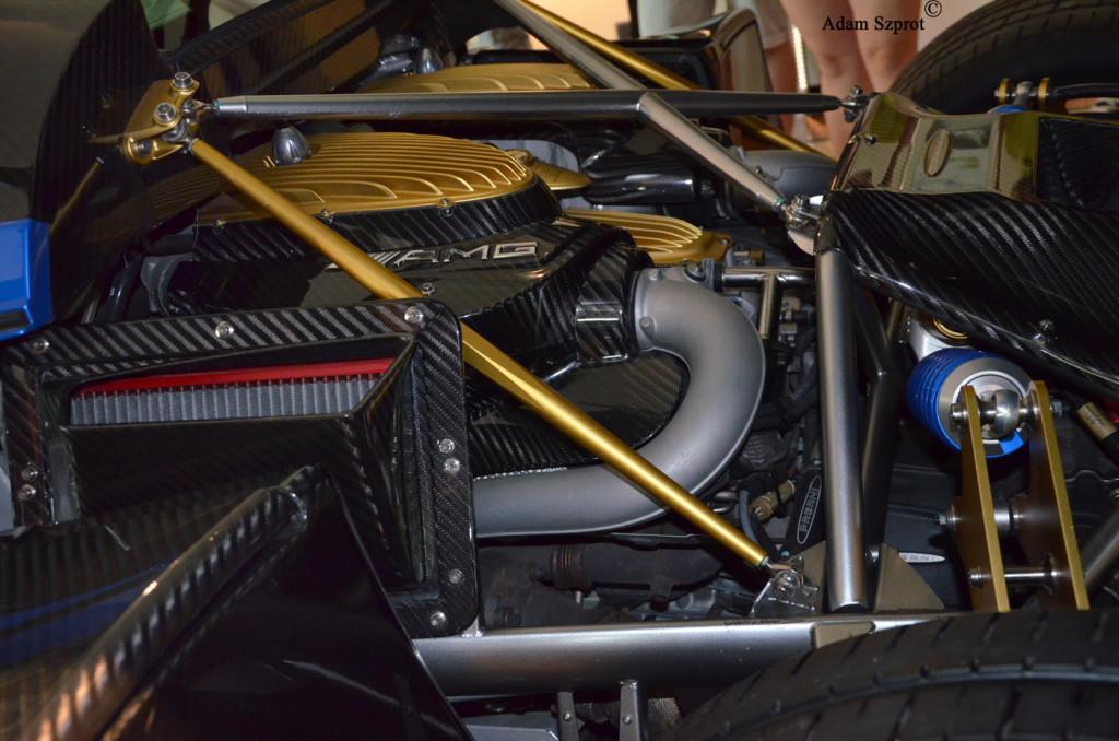Z wizytą w Pagani Automobile - Pagani Huayra - silnik - 3dosetki.pl - ekscytująca motoryzacja