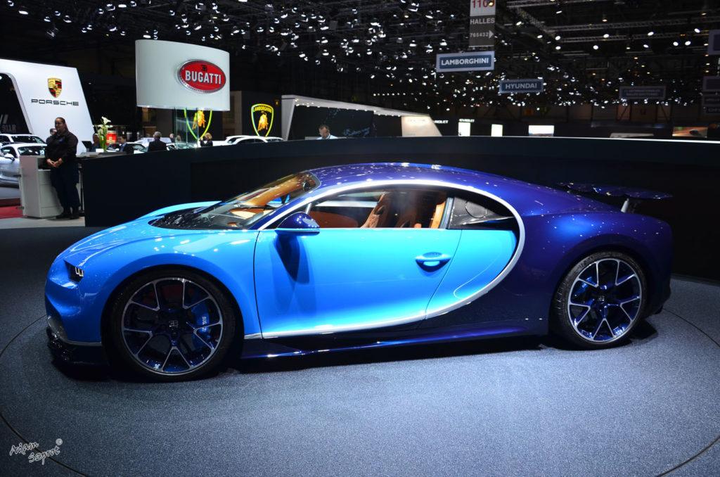 Bok hiper-auta Bugatti Chiron, premiera mtoryzacjna, premiera bugatti chiron, blog motoryzacyjny, serwis motoryzacyjny, artykuły motoryzacyjne, testy samochodów, relacje z premier, ciekawostki, strona motoryzacyjna, 3 do setki.