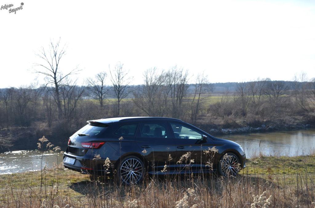 Test samochodu Seat Leon Cupra ST na witrynie przedstawiającej ekscytującą część motoryzacji, testy samochodów, blog motoryzacyjny, premiery super aut, podróże motoryzacyjne, testy motoryzacyjne, opisy samochodów