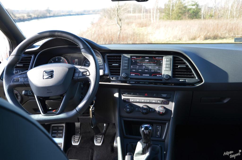 Seat Leon Cupra ST test motoryzacyjny na witrynie przedstawiającej ekscytującą część motoryzacji, testy samochodów, blog motoryzacyjny, premiery super aut, podróże motoryzacyjne