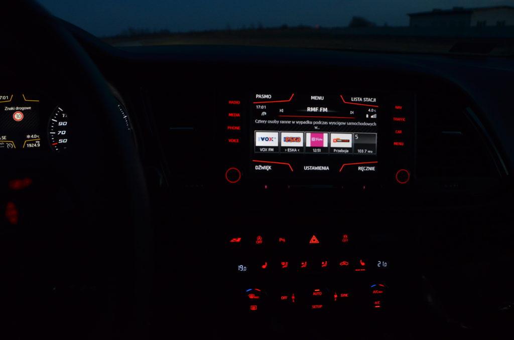 Seat Leon Cupra ST test motoryzacyjny na witrynie przedstawiającej ekscytującą część motoryzacji, testy samochodów, blog motoryzacyjny, premiery super aut, podróże motoryzacyjne, wnętrze cupry