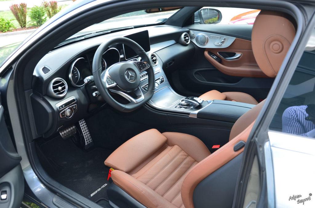 Mercedes C Coupe, test mercedesa, blog motoryzacyjny, serwis o samochodach, auta, serwis, portal motoryzacyjny, wnętrza mercedes c coupe.