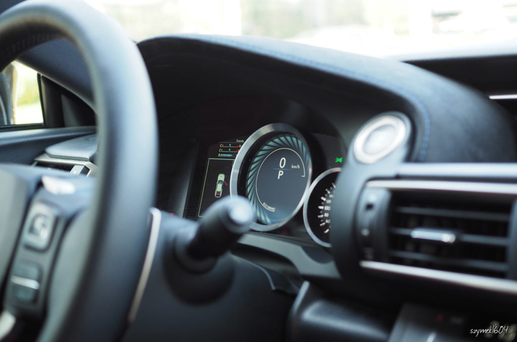 Lexus RC F - test, blog motoryzacyjny, serwis motoryzacyjny, auta, otoryzacja, opisy samochodów, najmocniejszy lexus, witruna o samochodach.