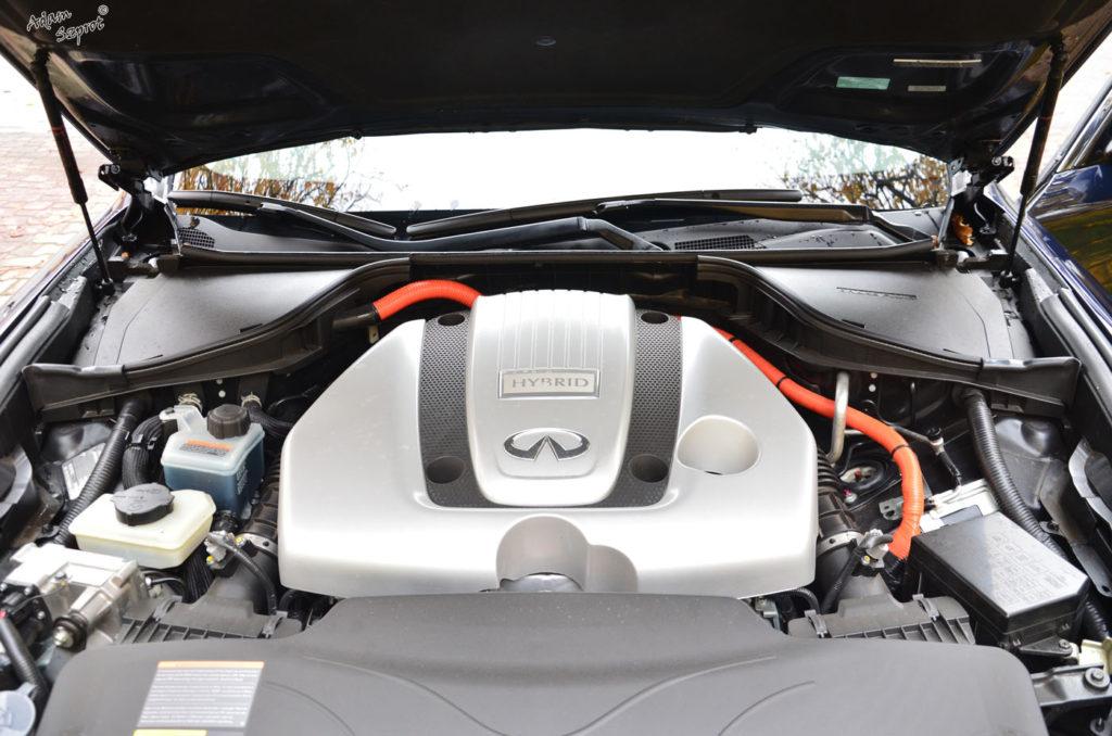 Infiniti Q70, blog motoryzacyjny, strona o samochodach