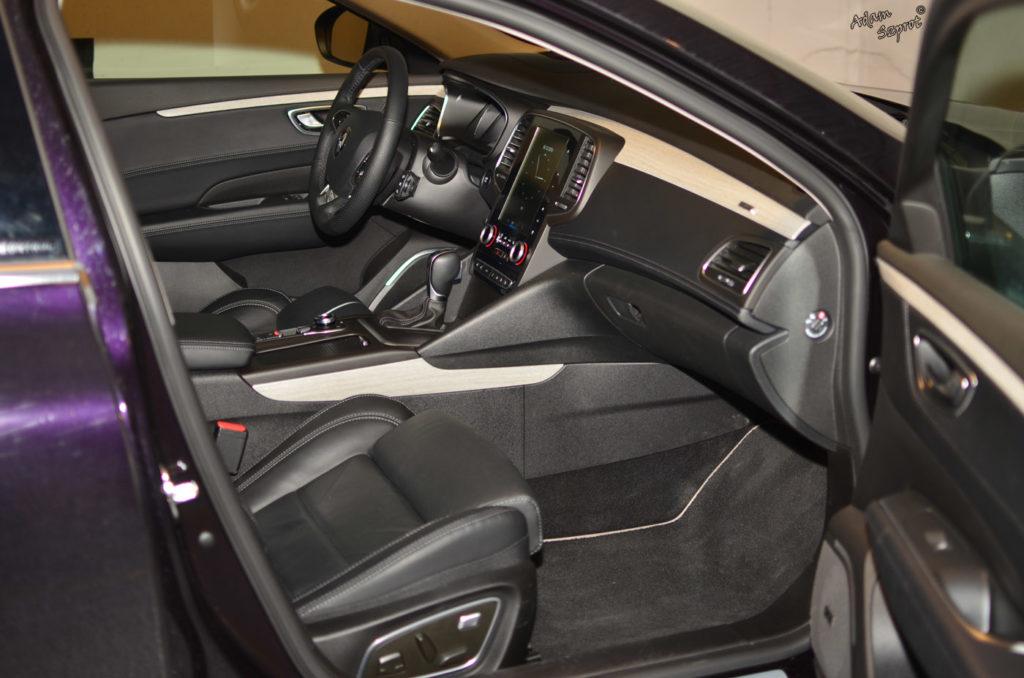Wnętrze testowanego Renault Talisman, blog o motoryzacji
