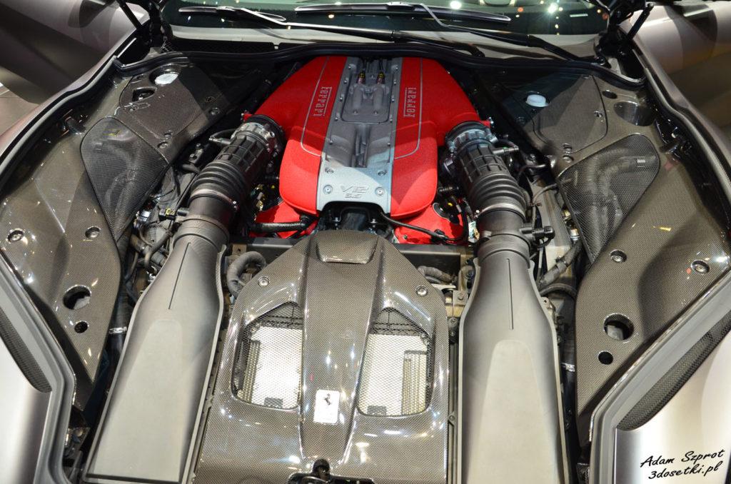 Ferrari 812 Superfast - premiera targów motoryzacyjnych Geneva Motor Show, blog motoryzacyjny, silnik V12 Ferrari