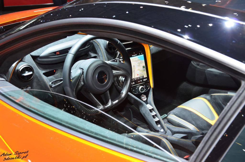 Genewa Motor Show 2017 - McLaren 720S, strona o motoryzacji