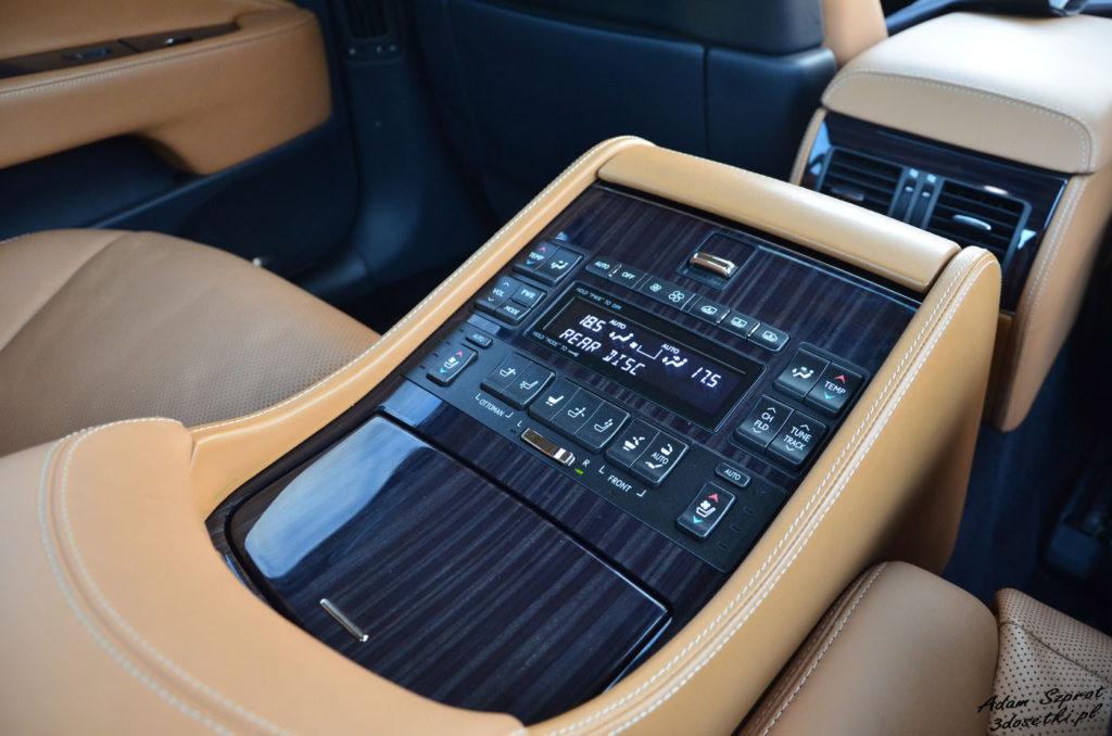 Lexus LS 600h L Superior – panel sterowania