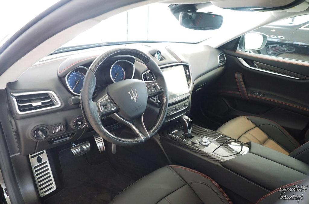 Wnętrze Maserati Quattroporte, portal o samochodach