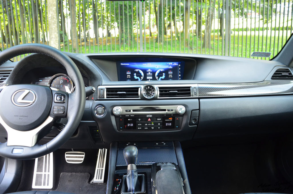 Lexus GS F test - deska rozdzielcza