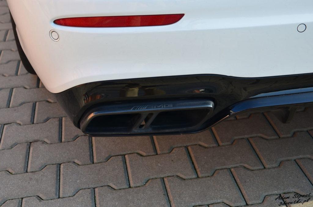 Kanciaste rury wydechowe w Mercedesie-AMG E63 S
