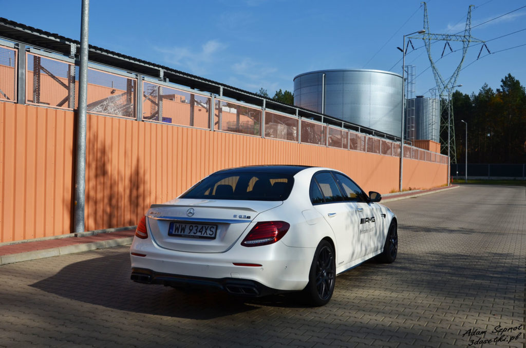 Test samochodu Mercedes-AMG E63 S, blog motoryzacyjny, portal o samochodach