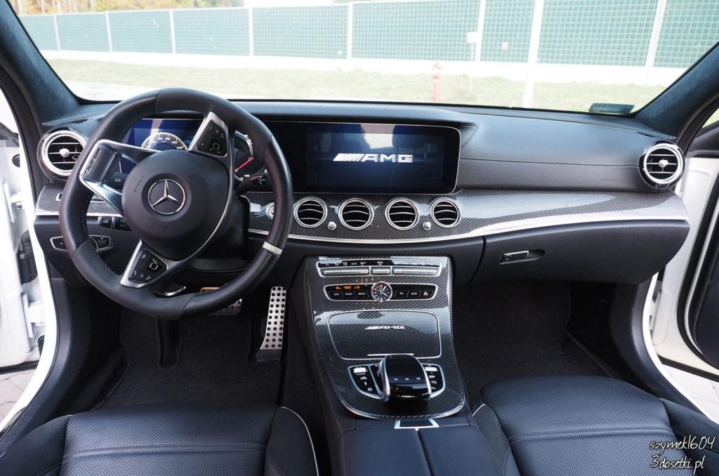 Wnętrze testowanego samochodu Mercedes-AMG E63 S - blog o motoryzacji