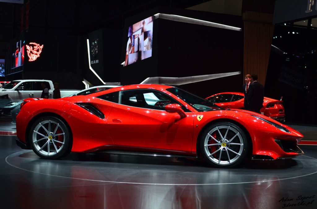 Premiera Ferrari na portalu o motoryzacji