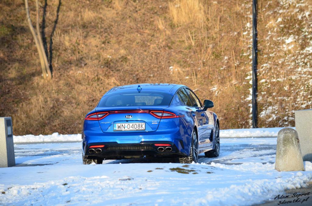 Testy samochodów na blogu motoryzacyjnym 3dosetki.pl - Kia Stinger z tyłu