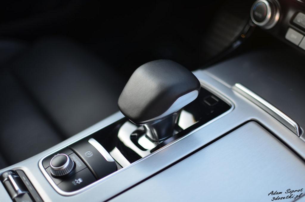 Detale wnętrza nowej Kii Stinger GT