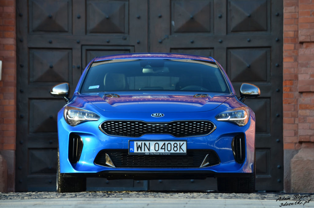 Spalanie w nowej Kii Stinger GT - blog motoryzacyjny