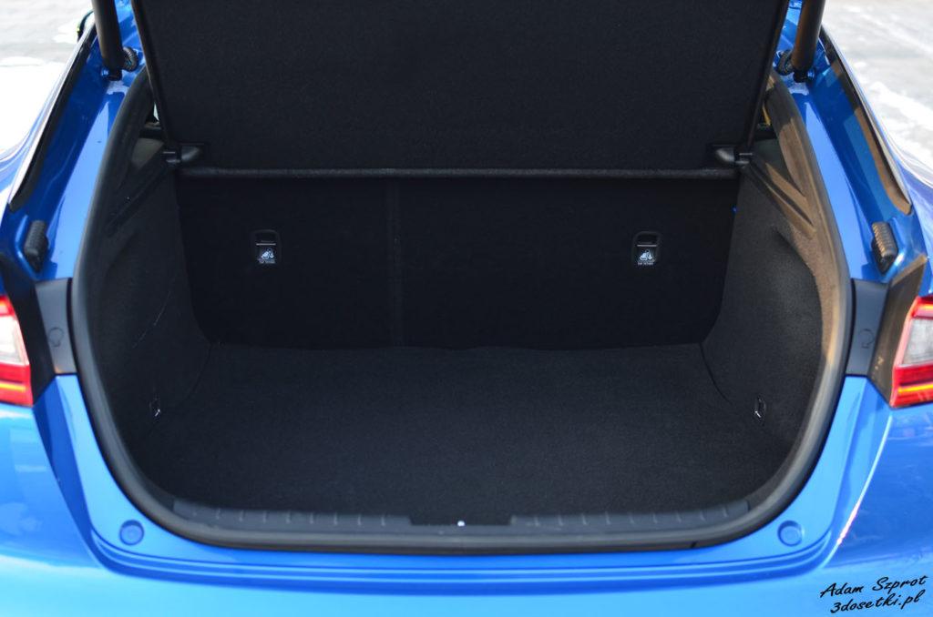 Bagażnik w Kii Stinger GT