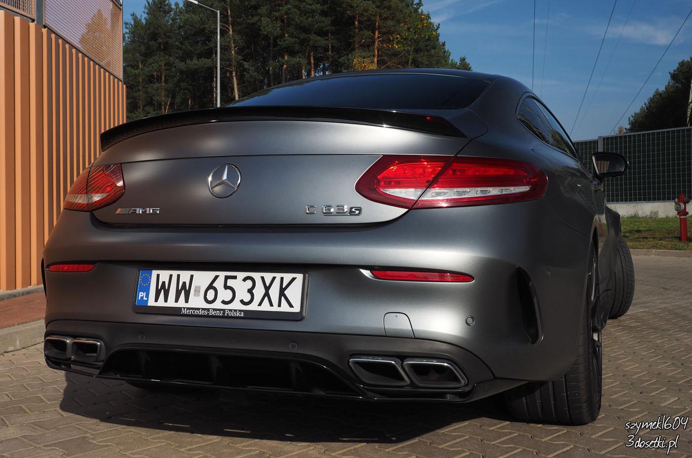 Mercedes-AMG C63S Coupé Edition 1 widziany z tyłu - testy samochodów