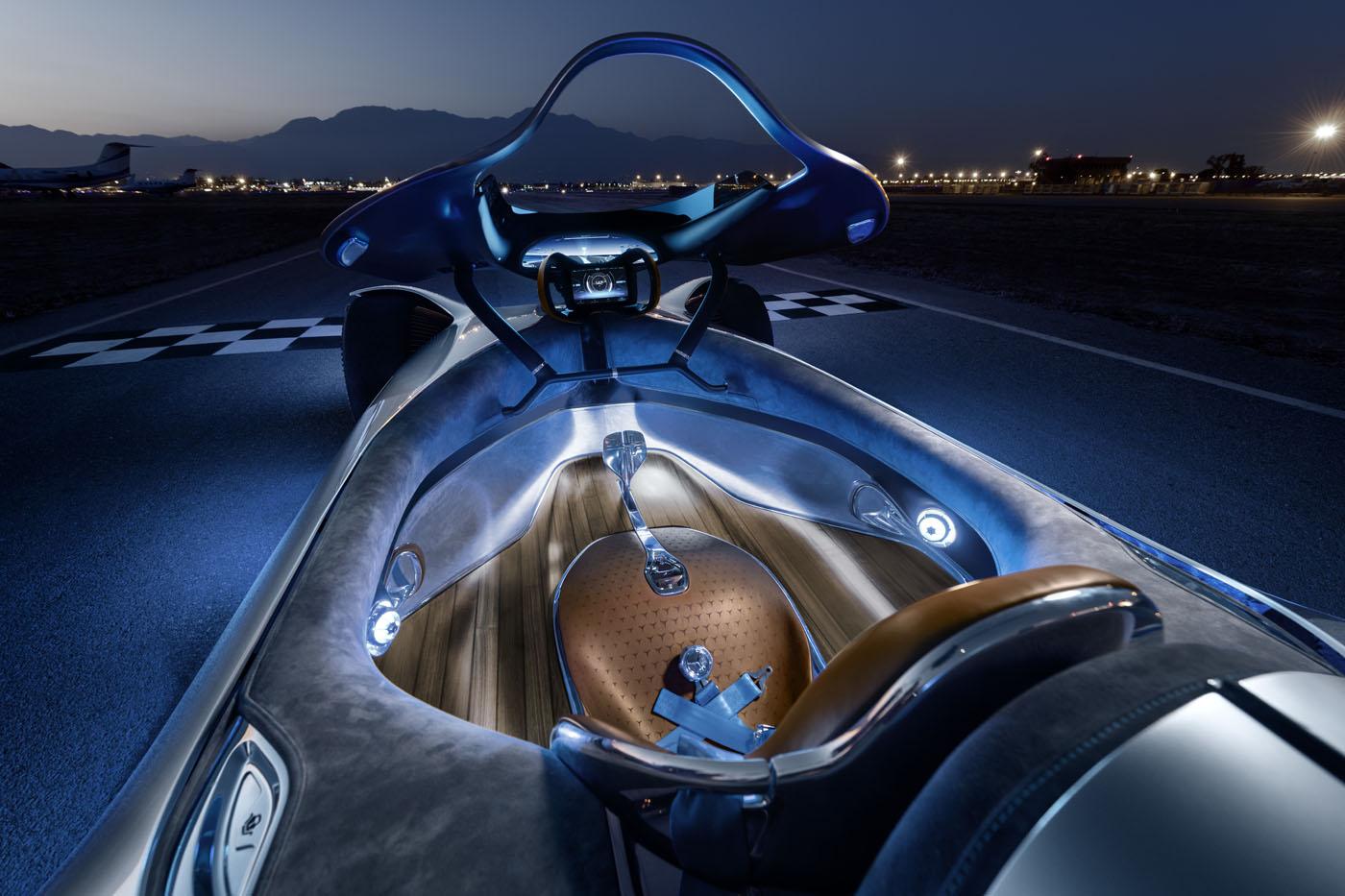 Wnętrze Mercedez-Benz Vision EQ Silver Arrow
