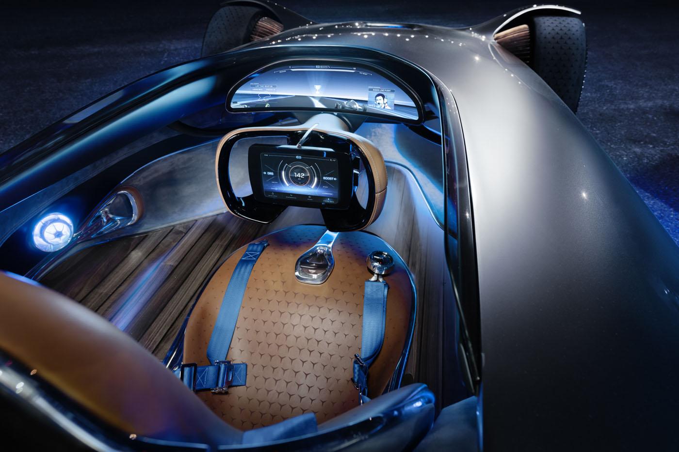 Mercedez-Benz Vision EQ Silver Arrow - wnętrze
