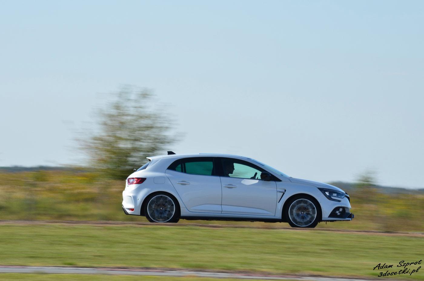 Test hothatcha - Renault Megene RS