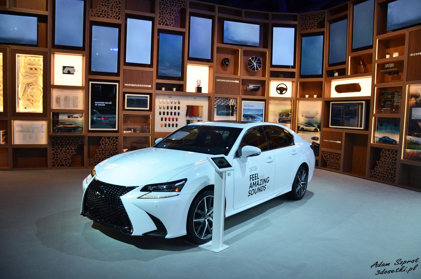 New York Auto Show 2019 - stoisko Lexusa