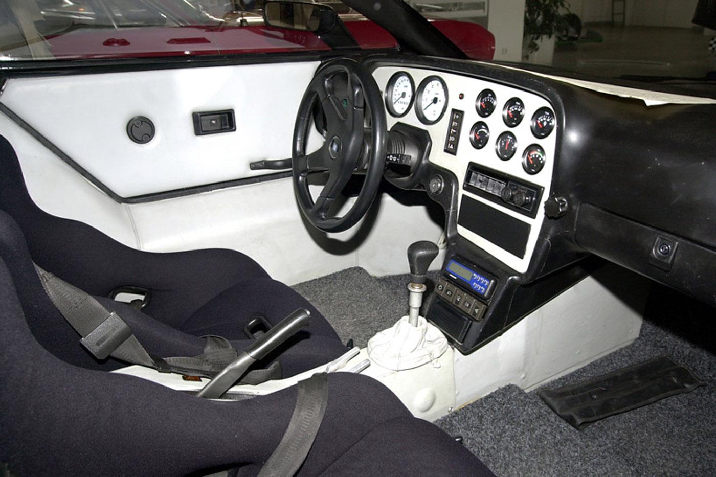 Tatra Mtx V8 wnętrze