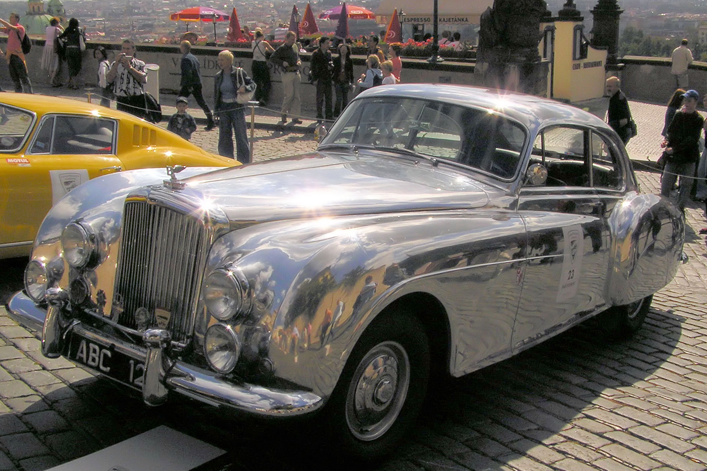 Historia Bentleya - R-Type Continetal